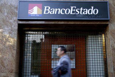 BancoEstado anuncia bloqueo a tarjetas de coordenadas por hackeo a 80 mil clientes