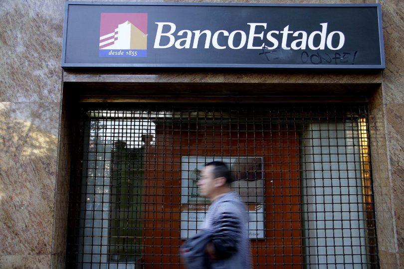 Los cinco diputados que mantienen créditos con el BancoEstado pese a prohibición constitucional