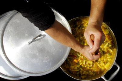 Jefas de hogar de Hualpén apuestan por la capacitación en manipulación de alimentos