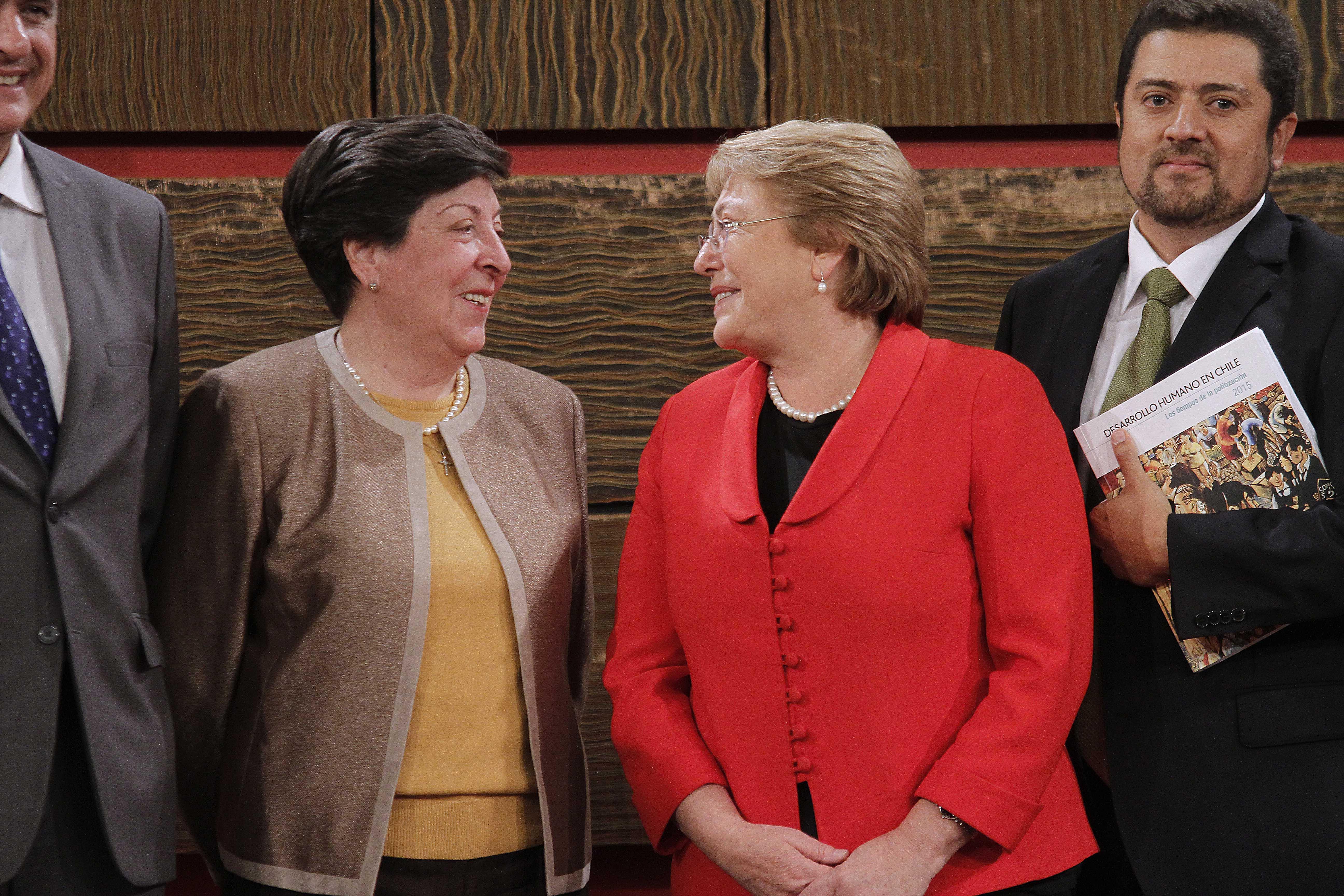 Bachelet envía emotiva carta destacando lucha de Carmen Frei