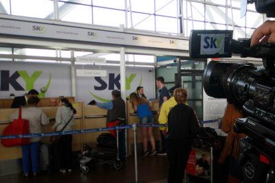 Pasajero logra millonaria e inédita indemnización de Sky Airlines por incidente antes del despegue