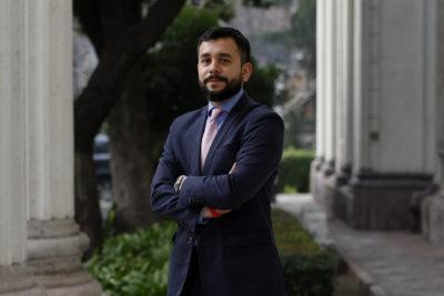 Óscar Rementería suspendió su vocería en el Movilh para enfocarse en su candidatura senatorial