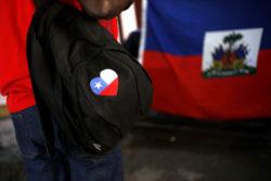 Sacados por ser haitianos: la denuncia por discriminación que pesa sobre exclusivo mall ABC1