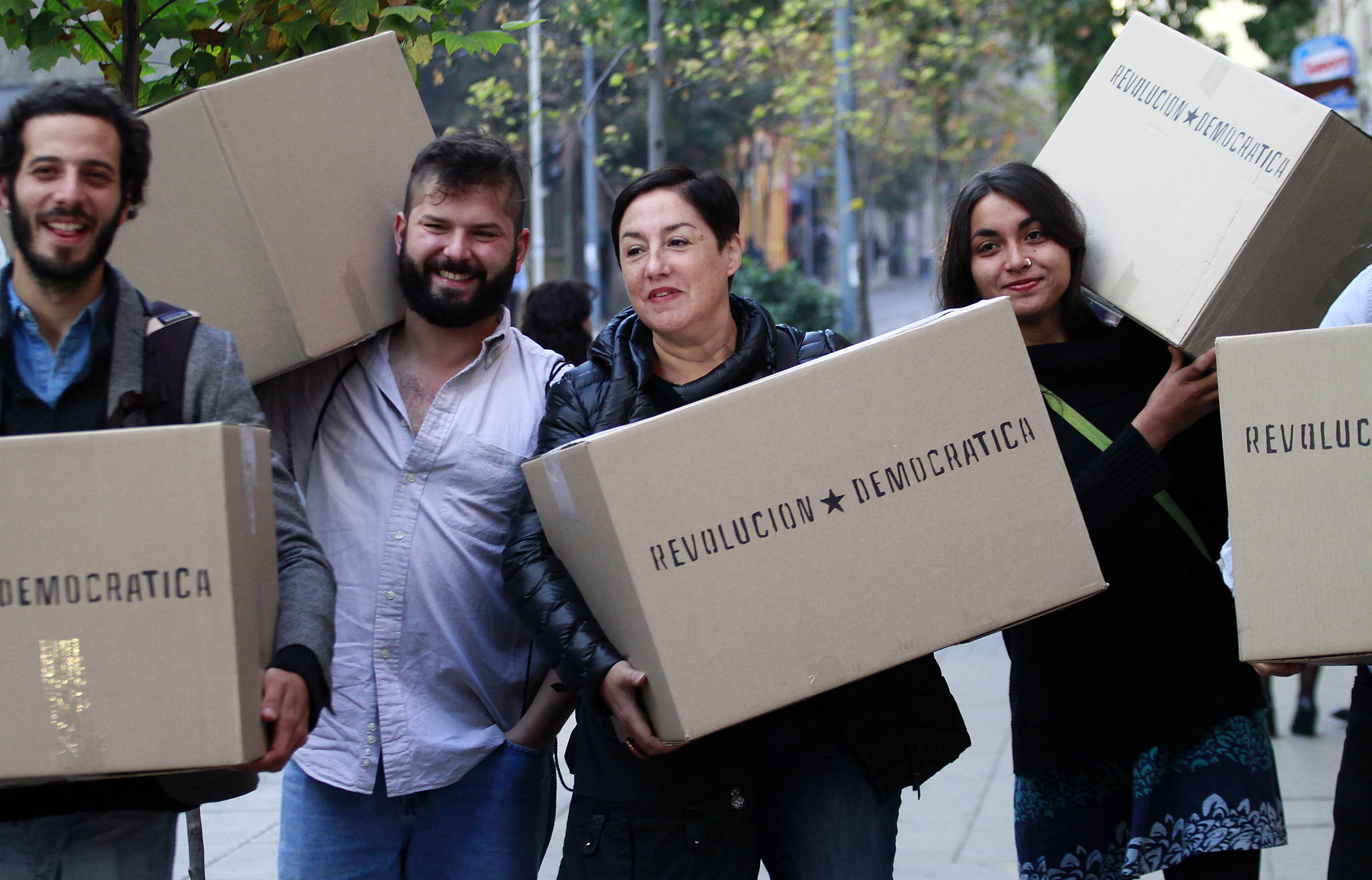Estudio electoral afirma que el Frente Amplio reelegiría a sus actuales diputados y obtendría hasta 15 nuevos