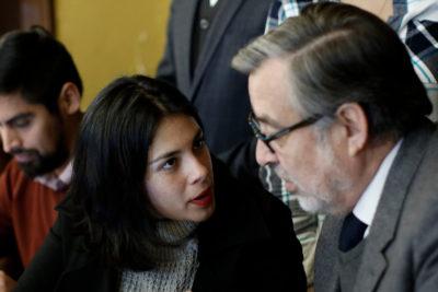 """Karol Cariola pidió a Alejandro Guillier """"tomar medidas"""" por informes copy paste"""