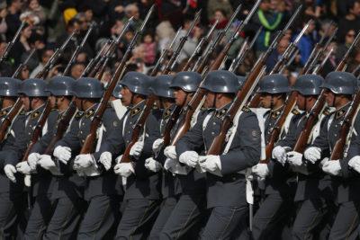 """Coroneles (r) de las Fuerzas Armadas respaldan carta de ex comandantes: """"La justicia ha transgredido la simetría en las responsabilidades"""""""