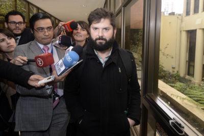 """El mensaje contra los """"nuevomayoristas y su violencia"""" que aleja aún más al diputado Boric de Alejandro Guillier"""