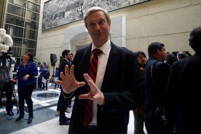 José Antonio Kast donará su dieta parlamentaria durante la campaña presidencial
