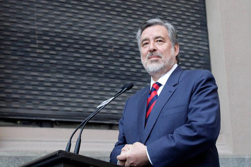 """Guillier y frase de Piñera que asocia crecimiento con su liderazgo: """"Eso se llama mitomanía"""""""