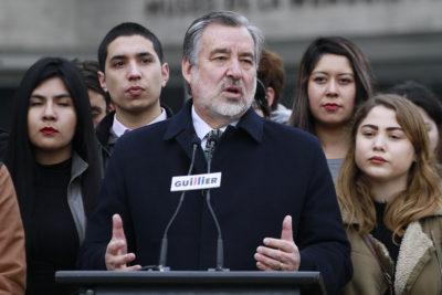 """Alejandro Guillier defiende a abogado por informes copy paste: """"Está haciendo su trabajo"""""""