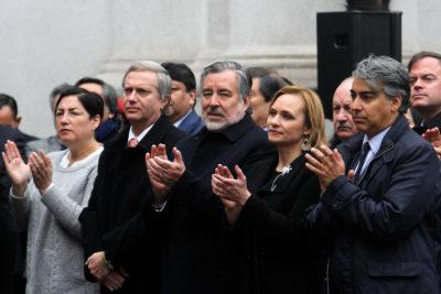 """El tenso momento entre Kast y sobrina de Allende que lo tildó de """"cínico"""" en acto por 11 de septiembre"""