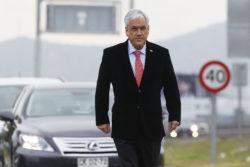 Aclararan polémico gesto de Piñera en fotografía tomada en San Antonio