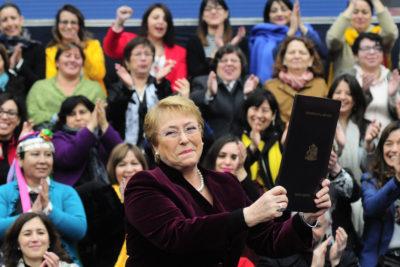 Cinco frases cargadas de emotividad de Bachelet al promulgar la ley de aborto en tres causales