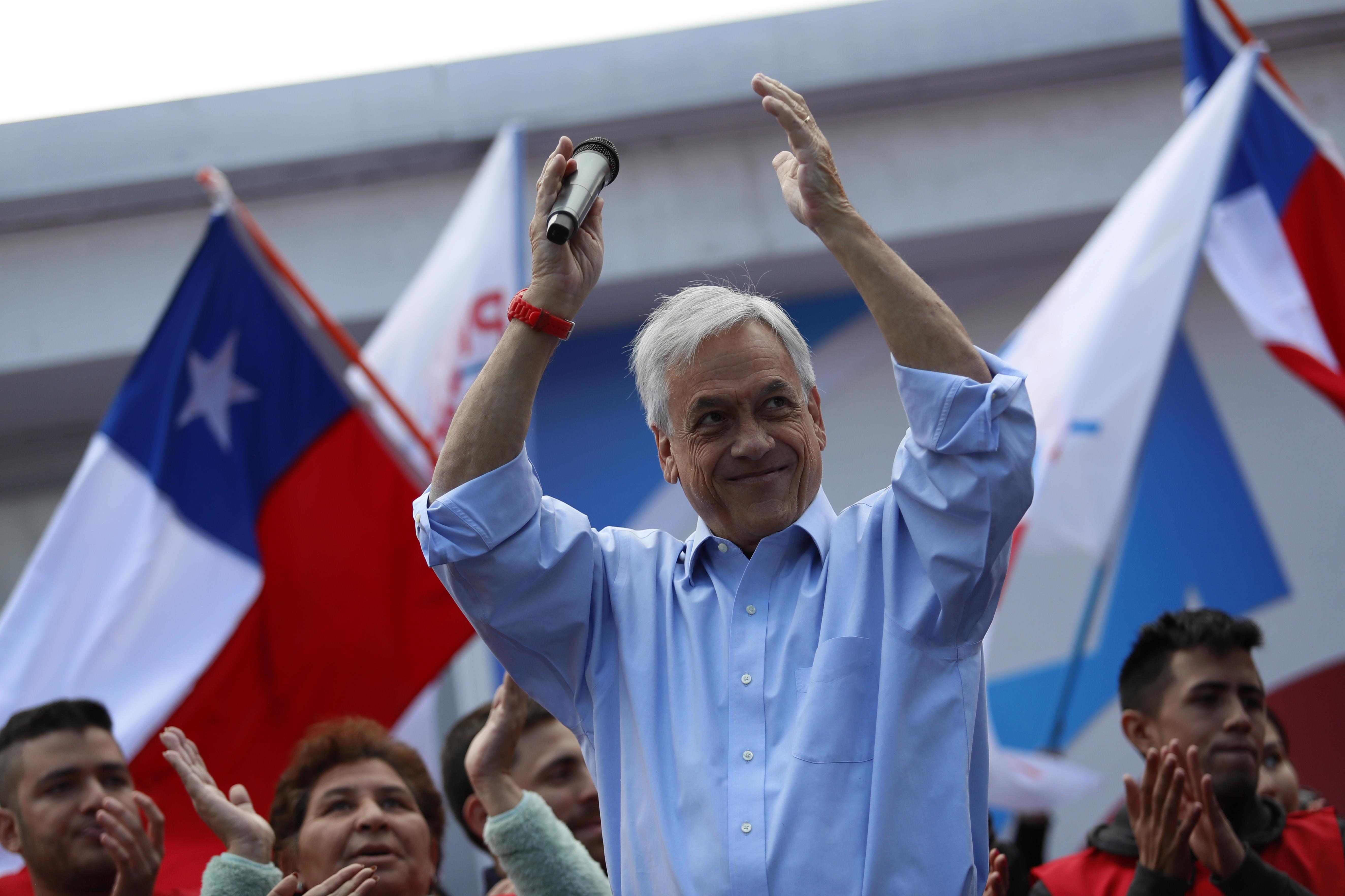Sebastián Piñera celebra sus primeros triunfos en las elecciones: ganó en China y Singapur