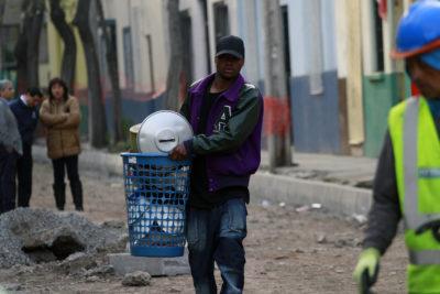 Municipalidad de Santiago desaloja a inmigrantes para construir viviendas sociales