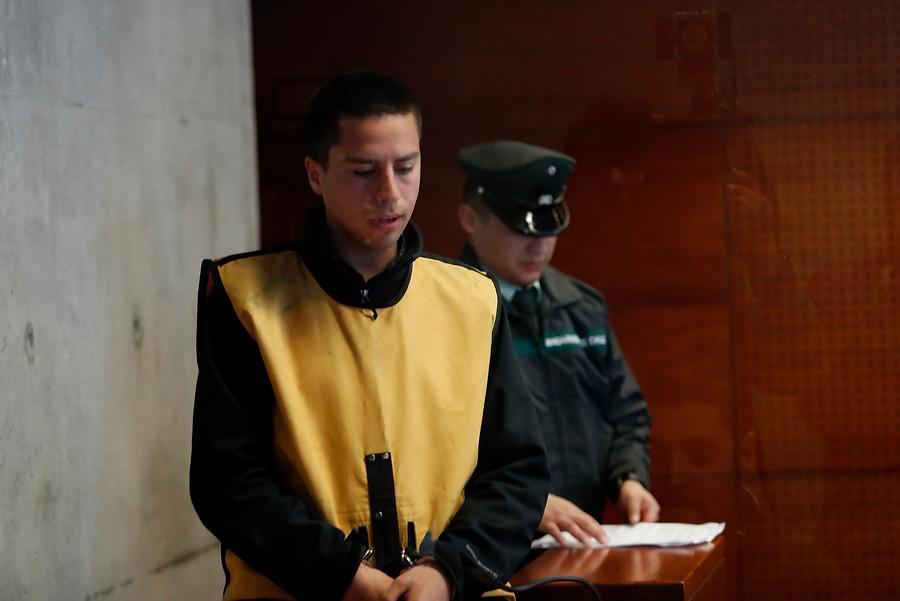 """""""Estudiante que empujó a fiscalizadora de Transantiago sentenciado a cuatro años de libertad vigilada"""""""