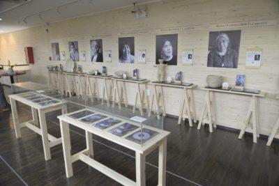 Artesanas lafquenches en Ñocha lanzan libro que resume su vida y obra