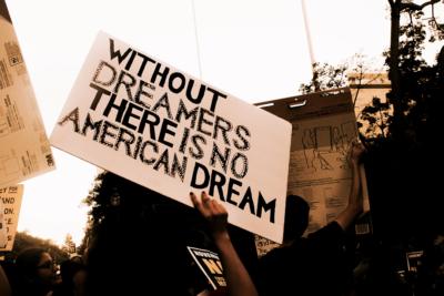 """1.854 """"dreamers"""" chilenos al borde la deportación tras eliminación de la DACA"""