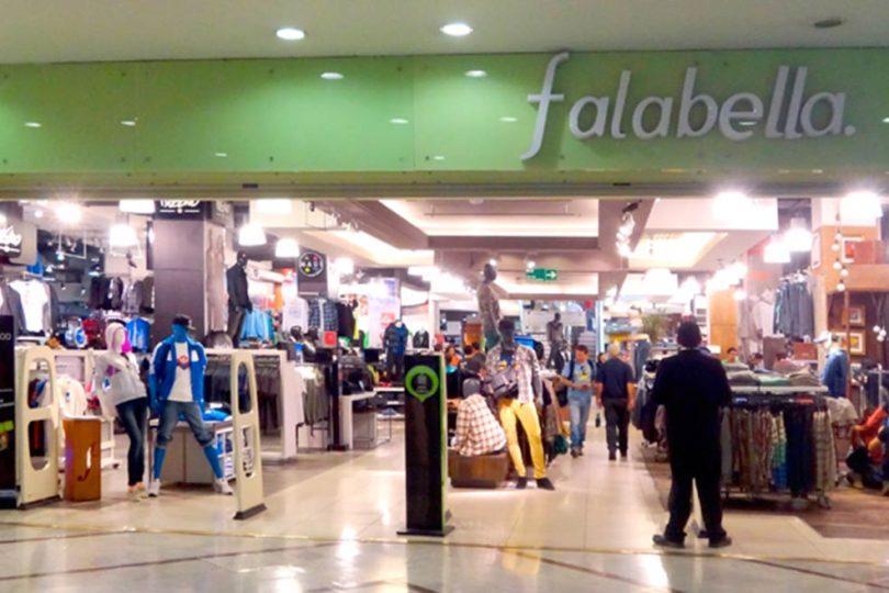 """Falabella acusa """"competencia desleal"""" del comercio online y pide intervención del Sernac"""