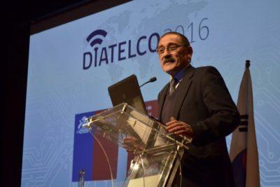 """Profesor chileno ingresa al """"Salón de la Fama"""" de internet"""