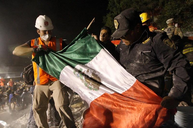 Afirman que Topos chilenos ayudaron en el rescate de 7 personas en Lindavista