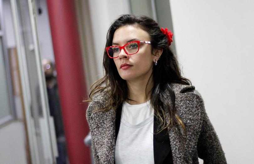 """""""Adivinen qué me tocó"""": Camila Vallejo festina con su peculiar número en la papeleta electoral"""