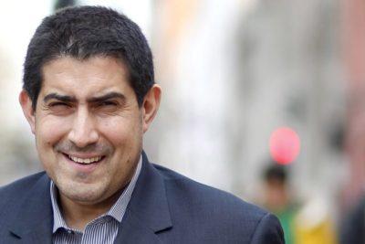 Patricio Navia funa a diputado DC por pagar 900 mil pesos por informe plagiado de su autoría