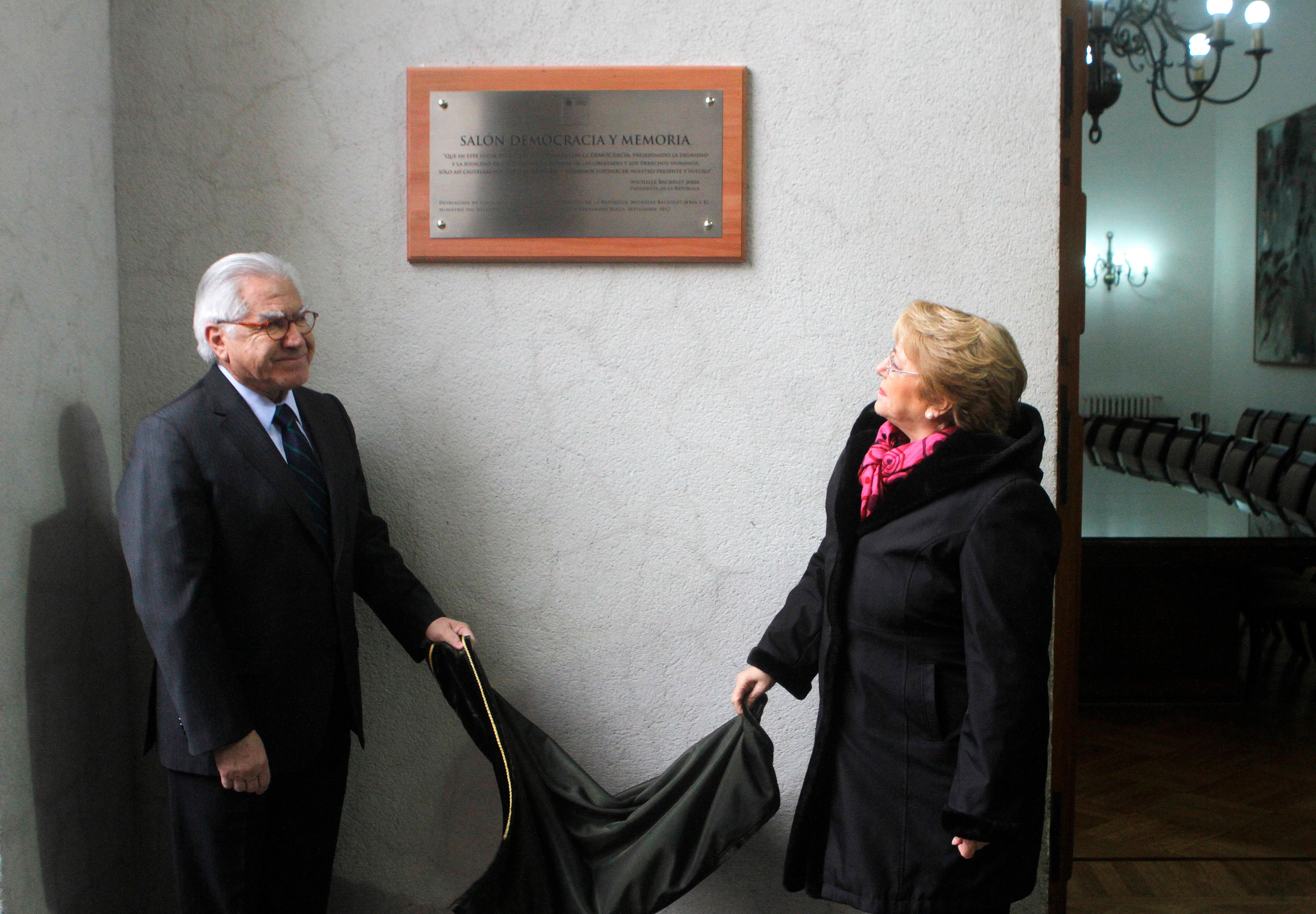 José Antonio Kast increpado por asistir a homenaje a Allende: el viernes pidió remover su estatua