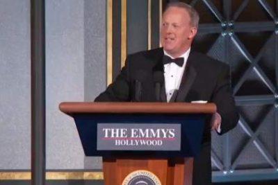 VIDEO |La aparición del ex vocero de Donald Trump que impactó a todos en los Premios Emmy