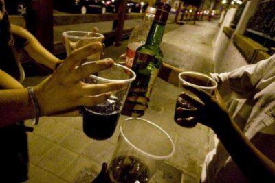 Proponen multas de hasta 560 mil pesos y 40 días de cárcel por consumo de alcohol en la calle