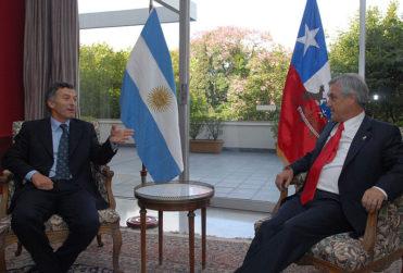 """Piñera aplaude triunfo legislativo de Macri y le pide """"galopar hacia el progreso"""""""