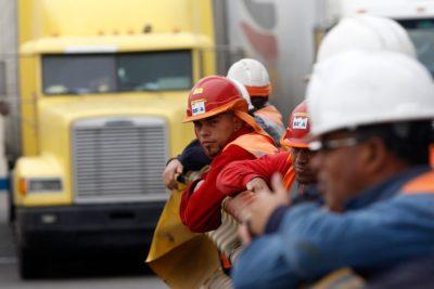 Se aprueba ley que elimina distinción entre empleados y obreros