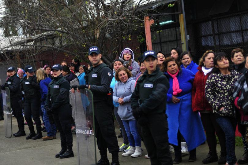 Justicia rechaza recurso de protección que permitiría a reclusas votar en elecciones
