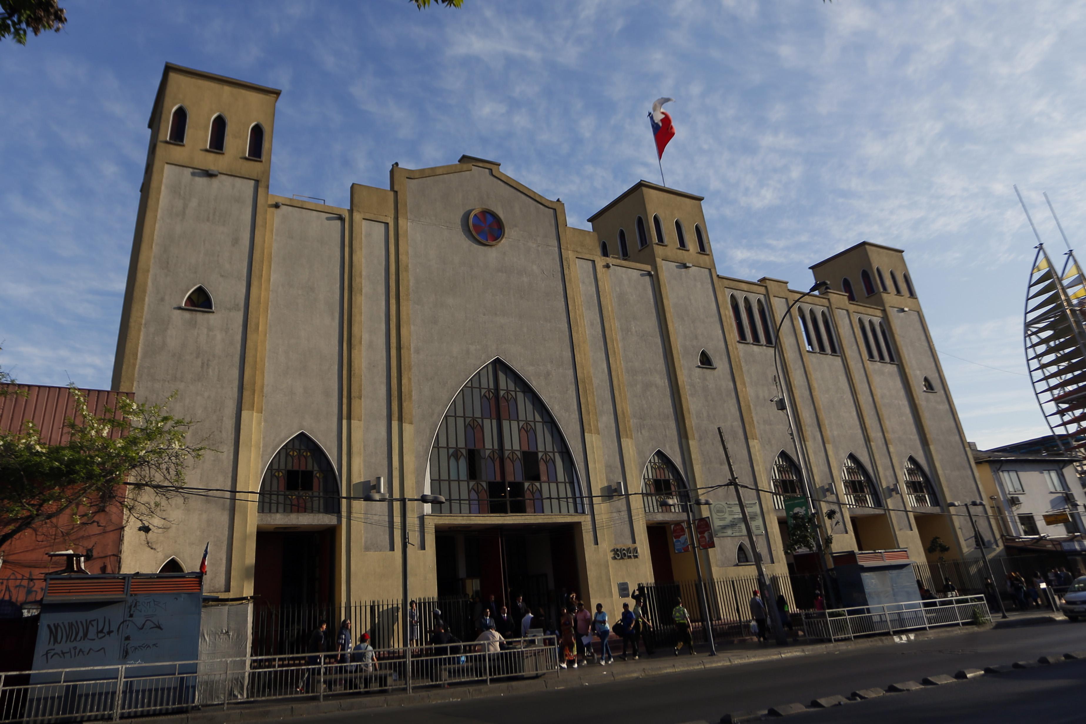 """Catedral Evangélica condenada por """"dañar la moral"""" del Movilh"""