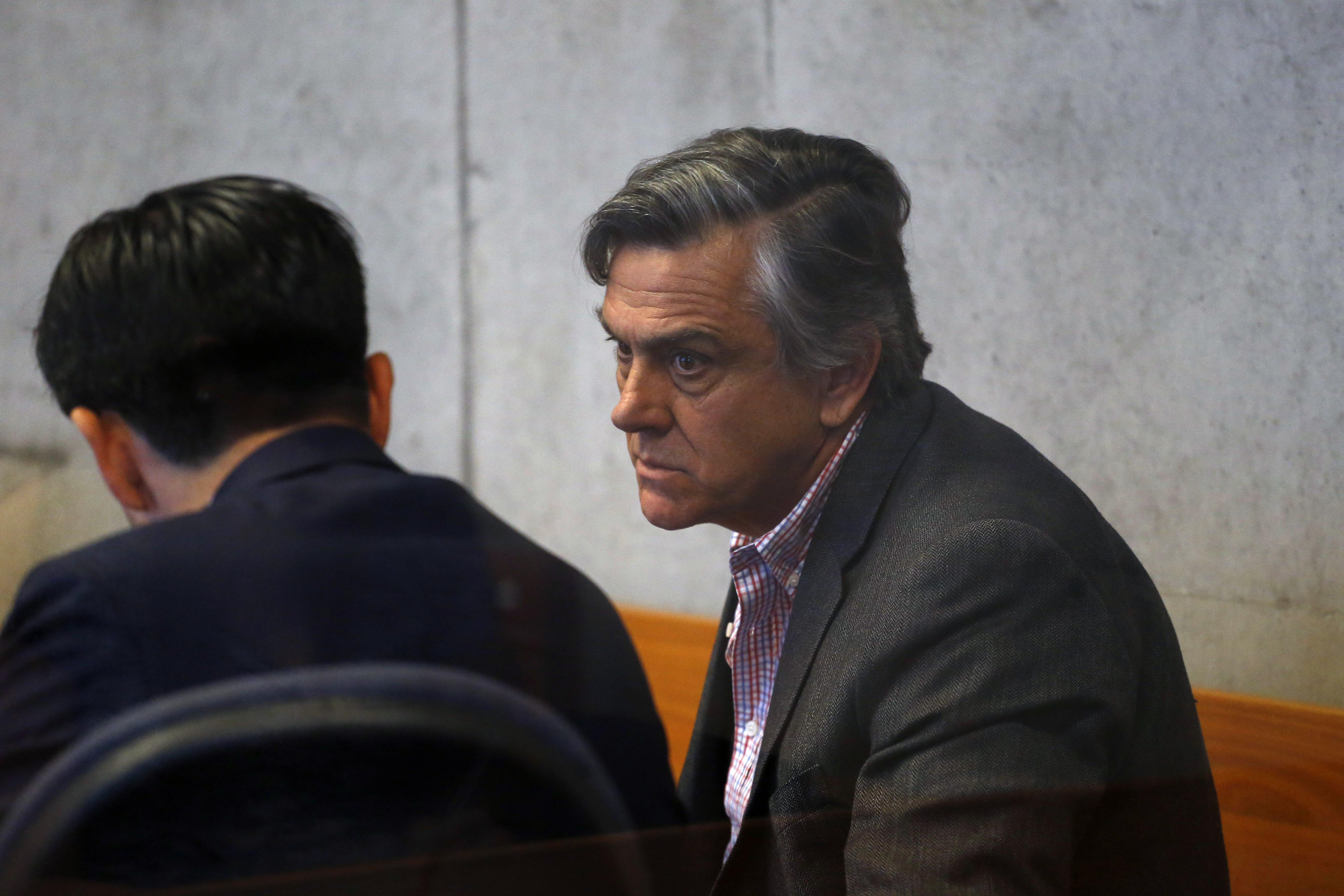 CDE busca disolver fundación de Pablo Longueira