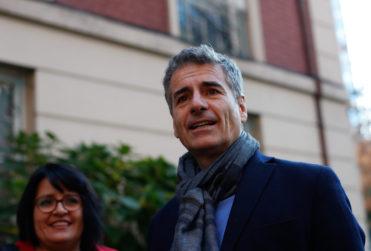 VIDEO | El encontrón callejero entre Andrés Velasco y Zaldívar en medio de campaña senatorial en el Maule