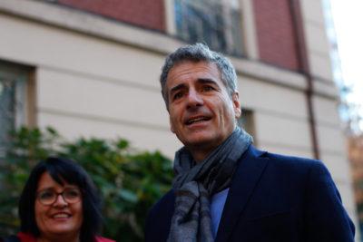 VIDEO   El encontrón callejero entre Andrés Velasco y Zaldívar en medio de campaña senatorial en el Maule