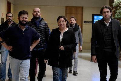 Dirigentes del Frente Amplio rechazan propuesta de negociar acuerdo de segunda vuelta con Nueva Mayoría