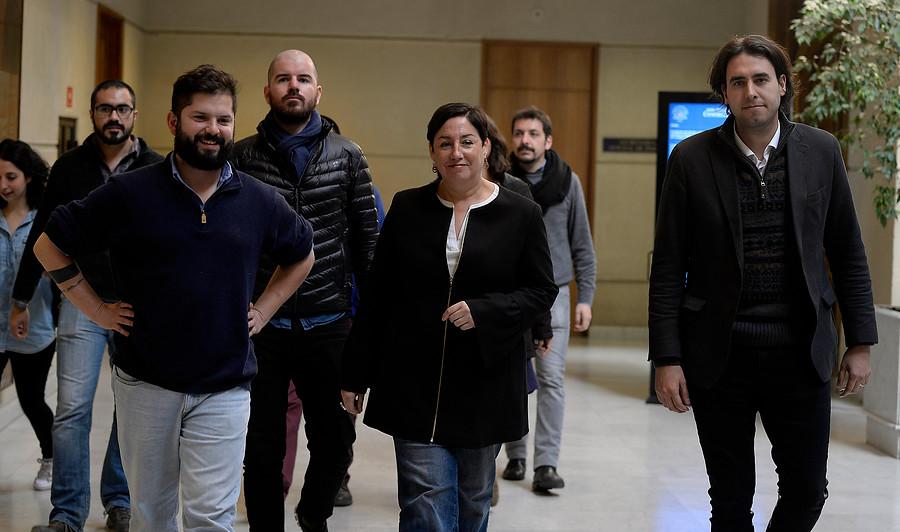 """""""Dirigentes del Frente Amplio rechazan propuesta de negociar acuerdo de segunda vuelta con Nueva Mayoría"""""""