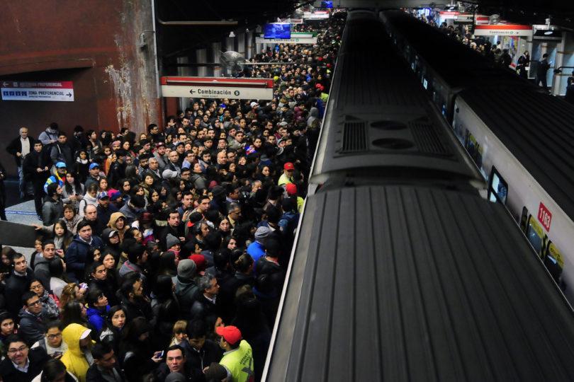 FOTOS |Usuarios de Metro reportaron corte de energía en Líneas 1 y 5