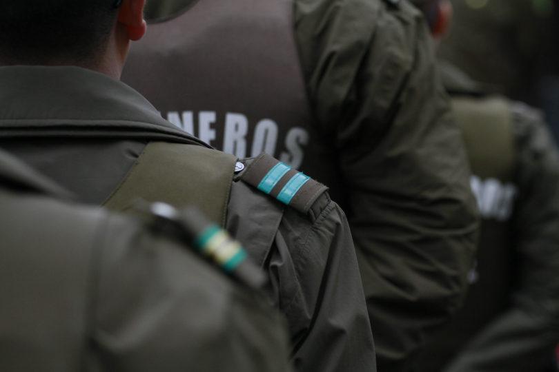 [VIDEO] Con fuegos artificiales y bombas molotov atacaron comisaría de Pudahuel