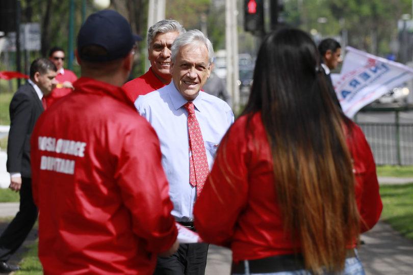 Piñera inicia maratónica gira de campaña por 35 ciudades en 29 días