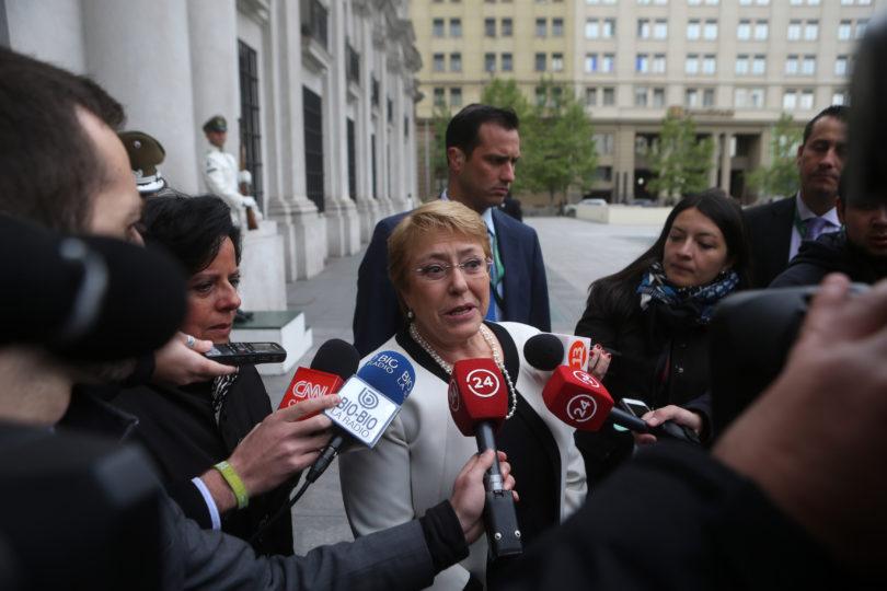 """Bachelet descarta crisis en La Moneda: """"Aleuy no me presentó la renuncia"""""""