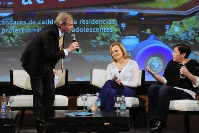 VIDEO  José Antonio Kast y Beatriz Sánchez sacaron ronchas en debate organizado por el Hogar de Cristo