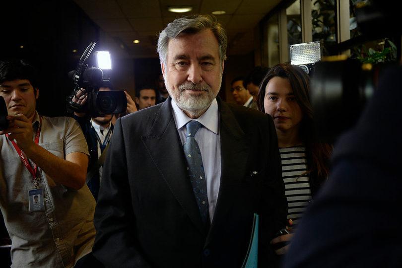 """Guillier al presidente de la Bolsa: """"Cuando Aylwin era candidato se vaticinó el fin de Chile"""""""