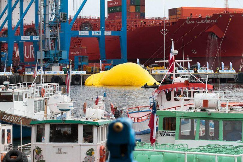 No estaba herido: Pato de Hule reaparecerá inflado antes del mediodía en Valparaíso
