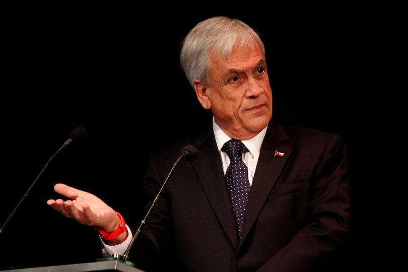 VIDEO | Piñera anuncia que reparará el puente Cau Cau e insiste en culpar a Presidenta Bachelet