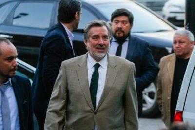 """Alejandro Guillier defiende minuta de su comando: """"Piñera es un peligro de retroceso para el país"""""""