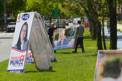 """FOTOS + VIDEOS   Partes a automovilistas o cantando trap: las """"otras"""" campañas al Congreso"""