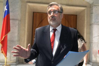 """Guillier le da a dirigentes del Frente Amplio donde más les duele: """"Tienen una mirada del siglo XX"""""""